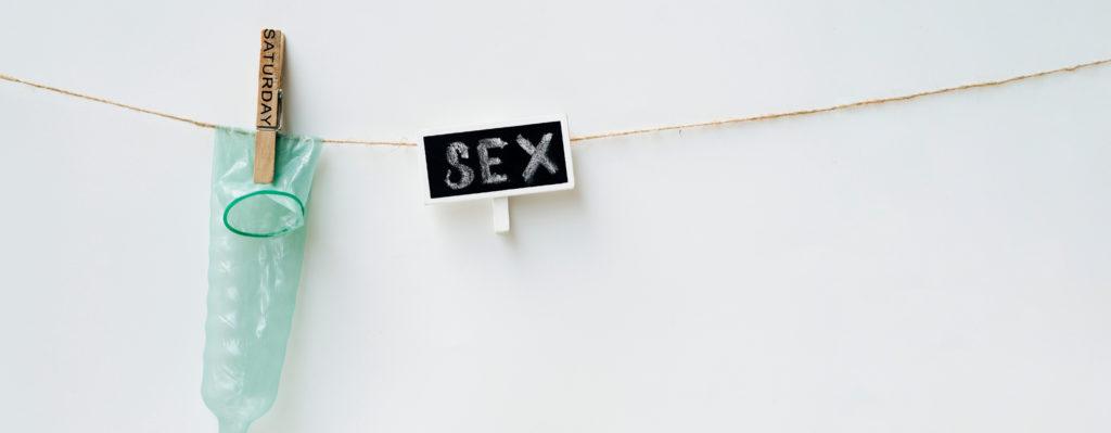 preservatif-sur-un-fil-differents-sujets-sur-la-sexualite